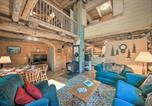 Location vacances Bonners Ferry - Private Moyie Riverfront Cabin Pets Welcome!-1