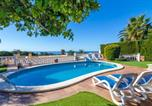 Location vacances  Province de Gérone - Lloret de Mar Villa Sleeps 6 Pool Wifi-1