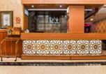 Hôtel Dubai - Oyo 184 Central Paris Hotel, Baniyas Square-3