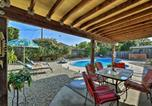 Location vacances Davis - Updated Sacramento Home with Grill, Patio, and Pool!-1