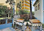 Location vacances Indian Shores - New Listing! Beachfront Perch w/ Pool & Balcony condo-1
