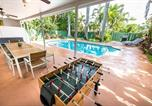 Location vacances Hollywood - Beautiful Modern Villa 4/3 Plus Den With A Heated Pool-1