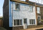 Location vacances Yaxham - The Old Sweet Shop, Dereham-1