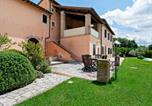 Location vacances  Province de Terni - Luxury Farmhouse with Swimming Pool in Montoro-1