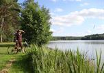 Camping avec Chèques vacances Sarthe - Huttopia Lac de Sillé-4