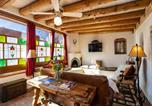 Location vacances Santa Fe - La Vida Buena, 2 Bedrooms, Sleeps 4, Fireplace, Patio, Yard, Grill-3