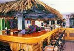 Hôtel Jamaïque - Doctors Cave Beach Hotel-3