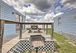 Location vacances Gainesville - Cozy Lakefront Cabin in Ocala with Deck and Grill!-3