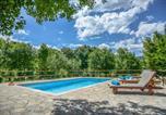 Location vacances Podbablje - Villa Ognjistar surrounded by nature and peace-1