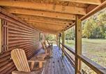 Location vacances Bridgeport - Pet-Friendly Semper Fi Cabin with Fire Pit!-2