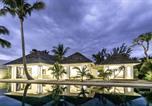 Location vacances  Réunion - Villa Trois Couleurs Bleu-1