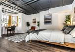 Location vacances Longueuil - Two-Storey Heritage Unit- Private Garden and Sauna-2