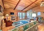 Location vacances Macon - House with Dock and Slide Situated on Lake Sinclair!-3