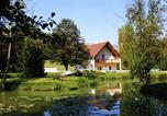 Location vacances  Indre - Quaint Hoilday Home in Faverolles with Pool and Pond-2