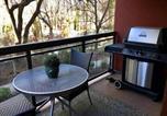 Location vacances Kelowna - Tranquil Apartment Overlooking Creek-3