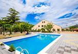 Location vacances  Province dEnna - Villa Belvedere Lago Pergusa-2