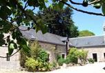 Hôtel Châteauneuf-du-Faou - Les Pieds dans l'Herbe-1