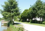 Location vacances  Mayenne - Chalet Saint-Denis-du-Maine, 4 pièces, 6 personnes - Fr-1-600-86-4