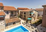 Location vacances Tar - Apartment Valtrazza Fiorela I-1