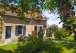 Hôtel Vicq - Chez Christy, Les Dinots d'en bas .-2