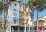 Location vacances  Province de Rimini - Apartamento Monaco-1