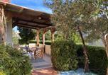 Location vacances Santa-Maria-di-Lota - Un jardin dans la ville-1