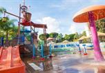 Hôtel Anaheim - Howard Johnson by Wyndham Anaheim Hotel & Water Playground-3