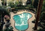 Location vacances Santa Monica - A Room in Santa Monica (Pool View)-2