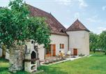 Location vacances  Saône-et-Loire - Four-Bedroom Holiday Home in Mary-1