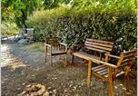 Location vacances Grambois - Maison de Village avec Jardin-4
