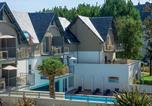 Camping Mesnil-Saint-Père - Résidence Les Jardins d'Arvor-3
