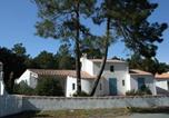Location vacances Longeville-sur-Mer - Maison La Tranche-sur-Mer, 6 pièces, 8 personnes - Fr-1-22-220-1