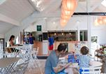 Camping avec Club enfants / Top famille Jura - Huttopia La Plage Blanche-2