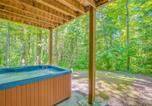 Location vacances Gatlinburg - Peyton's Hideaway, 3 Bedrooms, Yard, Hot Tub, Pet Friendly, Wifi, Sleeps 10-2