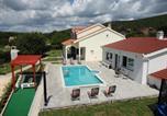 Location vacances Dugopolje - Villa Julia-1