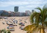 Location vacances  Province de Las Palmas - Playa Las Canteras beachfront apartment sea view 2br-2