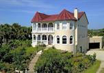 Location vacances Flagler Beach - Castle by the Sea, 7 Bedroom, Ocean View, Putting Green, Tiki Bar, Sleeps 17-1