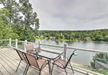 Location vacances Brookfield - Sherman Home with Lakefront Deck and Swimming Dock-2
