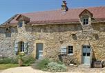 Location vacances  Aveyron - Two-Bedroom Holiday Home in Toulonjac-1