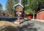 Location vacances Big Bear Lake - Cabin with Fireplace at Cozy Hollow 11-2