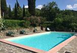 Location vacances Anghiari - Beautiful Holiday Home with Swimming Pool in Le Ville-1