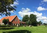 Location vacances Westoverledingen - Quaint Holiday Home in Backemoor with Sauna-1