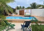 Location vacances Camaçari - Casa de praia 4 suítes, Piscina, Sauna, área Gourmet e ar split-2