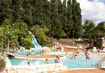 Camping avec Ambiance club Morieux - Camping Domaine des Ormes-1