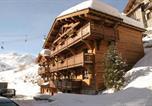 Location vacances Pied des pistes La Rosière - Chalet Les Alpes-4