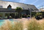 Location vacances Le Vivier-sur-Mer - Grande Villa de caractère avec pisc.chauffée-1