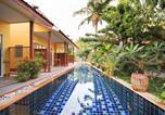 Hôtel Karon - Oyo 75342 Ban Elephant Blanc Bungalow-1