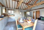 Location vacances Staplehurst - Wonderful Holiday Home in Linton Kent with Covered Pool-3