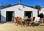 Location vacances Paraparaumu - Relax at Raumati - Raumati South Holiday Home-1