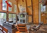 Location vacances Anderson - Mod Cabin with Hot Tub, Walk to Lake and Golfing!-1